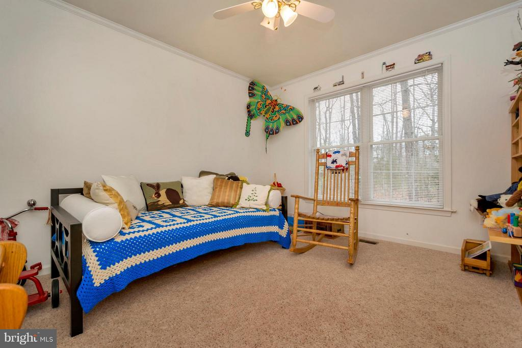 Rear Bedroom with wooded view - 104 CEDAR CT, LOCUST GROVE