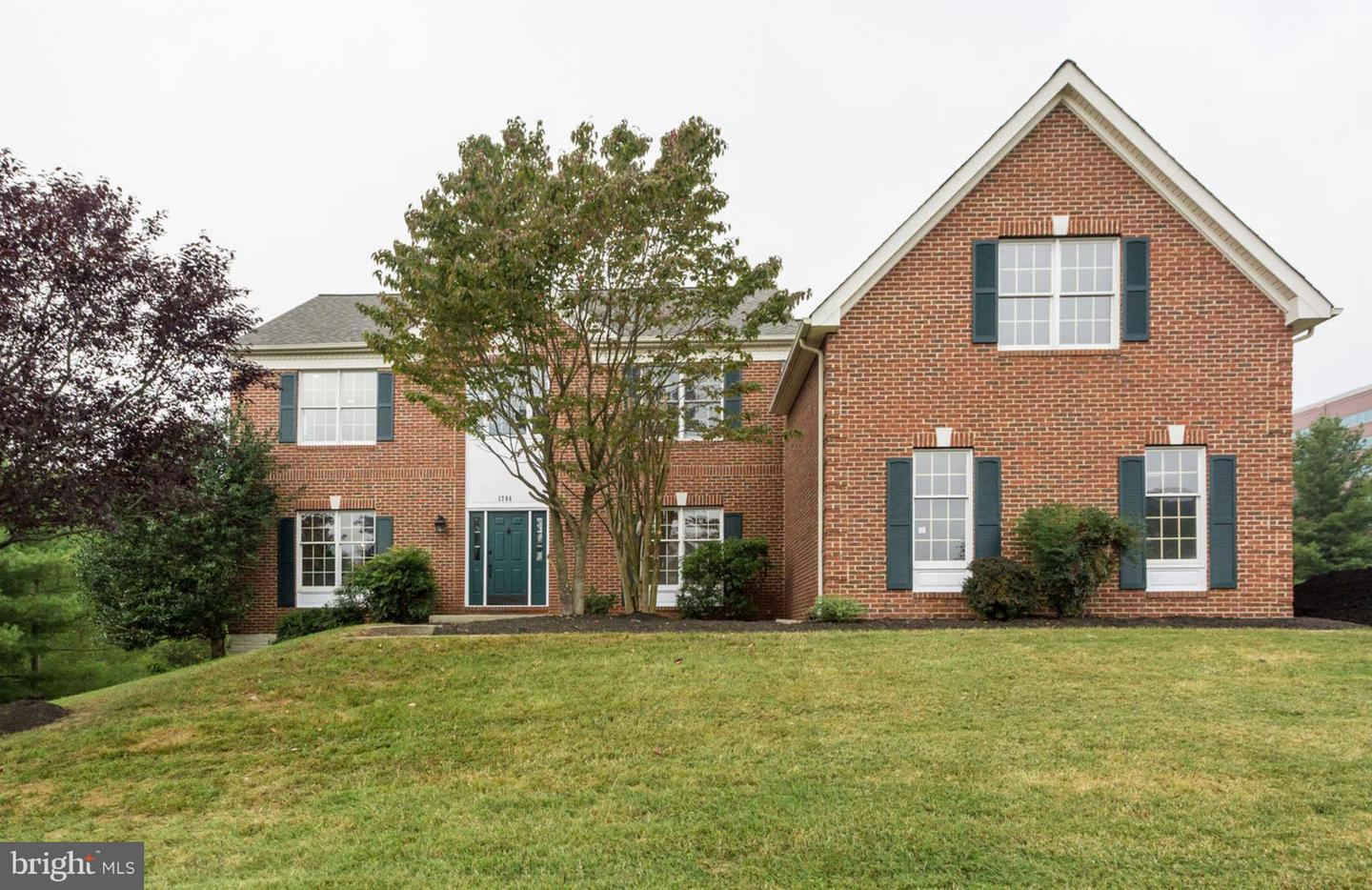 Single Family Home for Sale at 1786 Clovermeadow Drive 1786 Clovermeadow Drive Vienna, Virginia 22182 United States