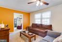 Living Room w/ CF  full of natural sunlight too! - 309 OAKRIDGE DR, STAFFORD