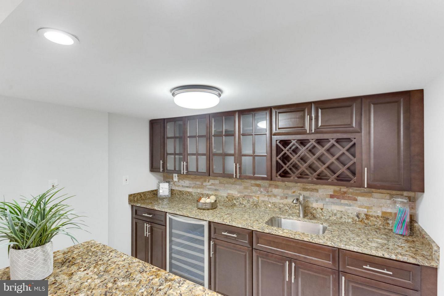 Additional photo for property listing at 1786 Clovermeadow Drive 1786 Clovermeadow Drive Vienna, Virginia 22182 United States