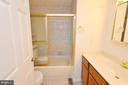 Hall Full Bathroom - 1309 BEECH RD, STERLING