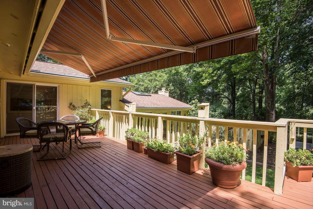 Deck off Kitchen and Sitting Room - 39434 SNICKERSVILLE TPKE, MIDDLEBURG
