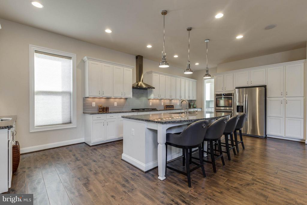 Amazing Gourmet Chefs Kitchen - 44760 MALDEN PL, ASHBURN