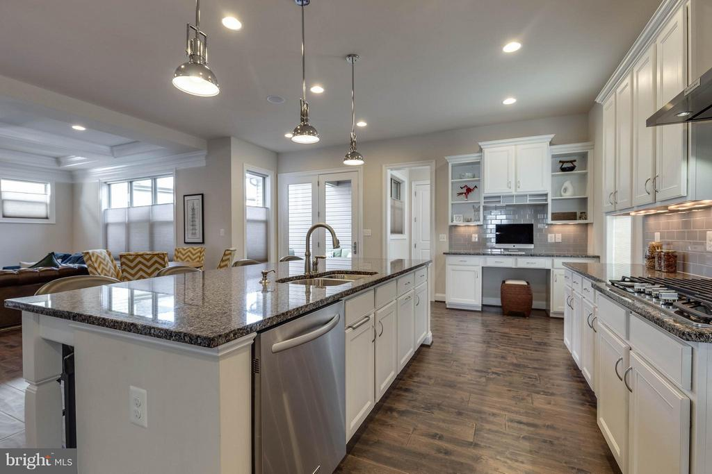 Chefs Kitchen w/ Large Island and Granite Counters - 44760 MALDEN PL, ASHBURN