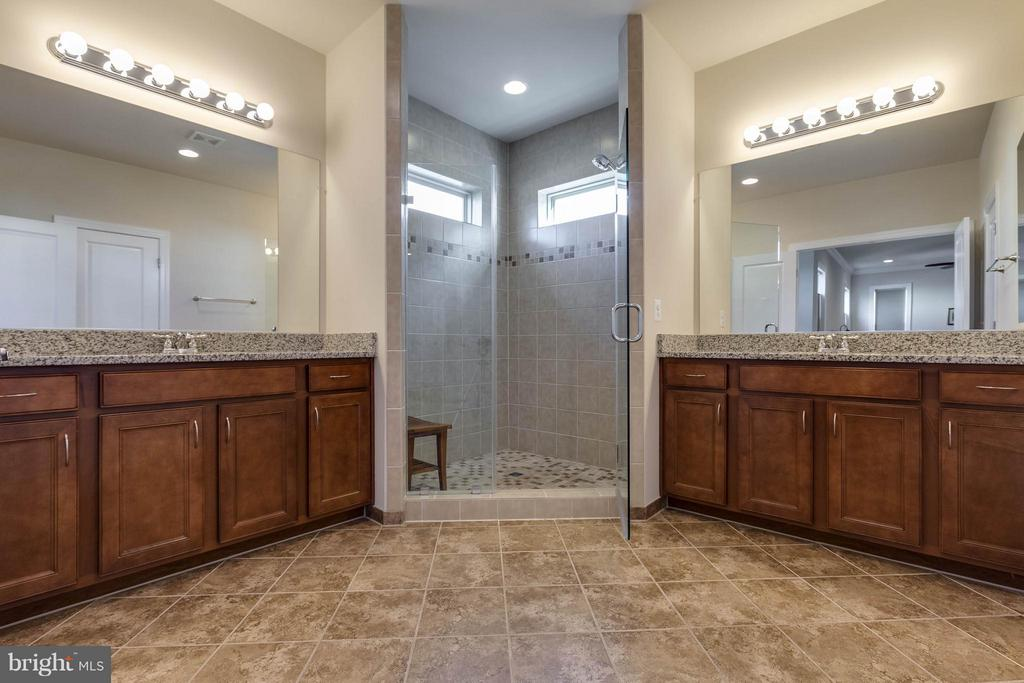 Luxury Master Bathroom w/ Separate Vanities - 44760 MALDEN PL, ASHBURN