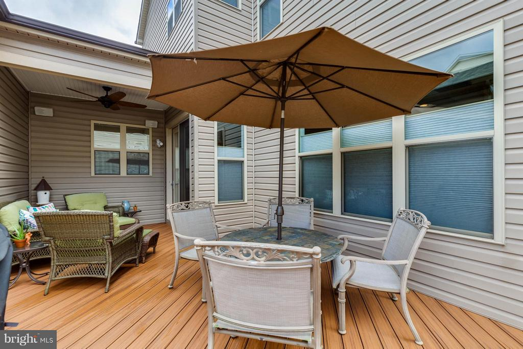 Beautiful Composite Trek Deck - 44760 MALDEN PL, ASHBURN