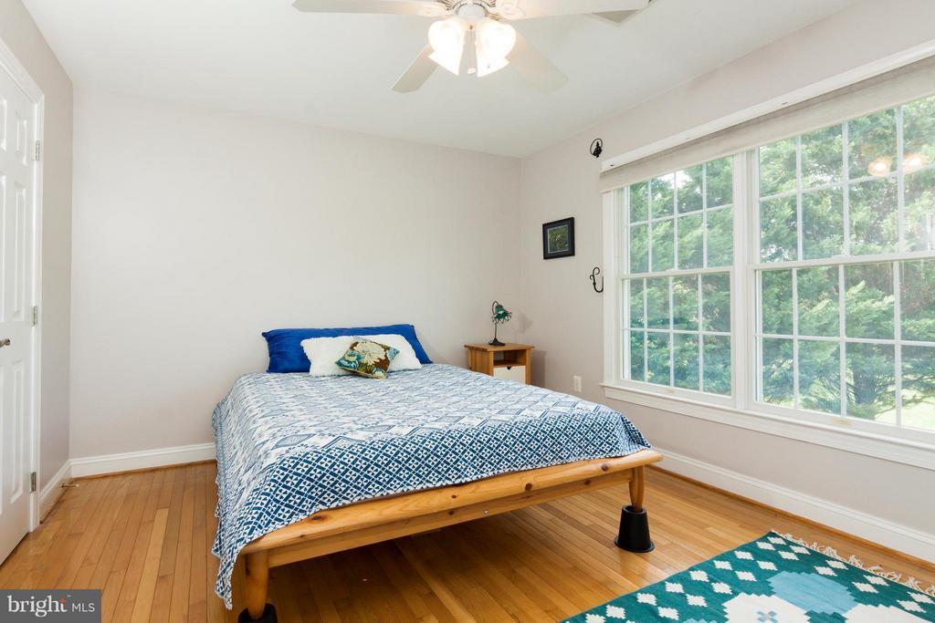 2nd bedroom upstairs - 42308 GREEN MEADOW LN, LEESBURG