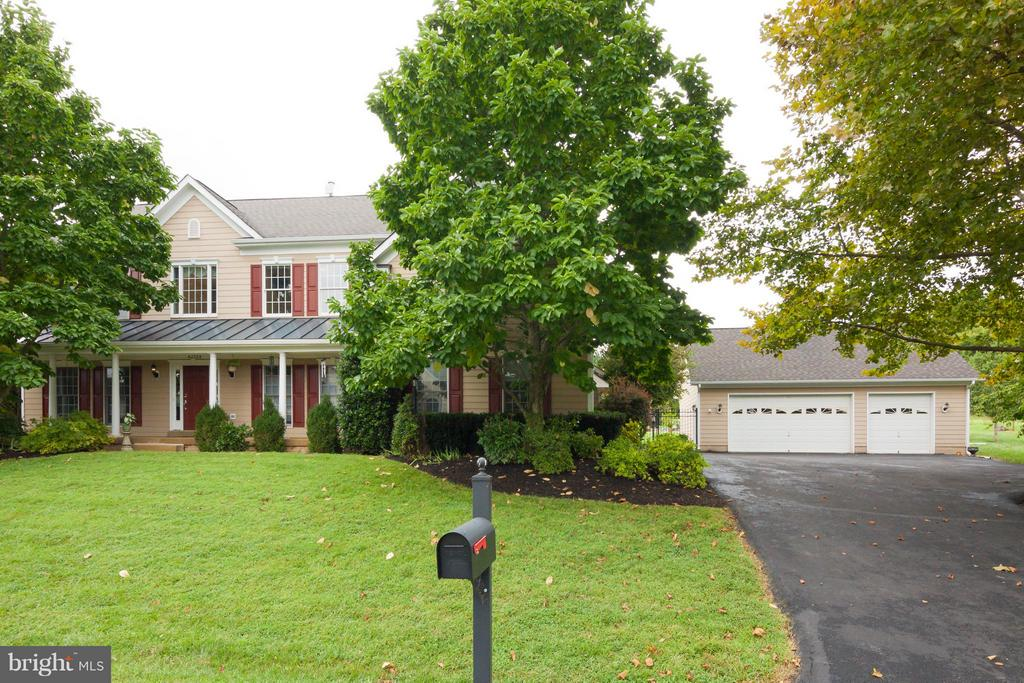 Rare park-like community-3 car detached garage - 42308 GREEN MEADOW LN, LEESBURG