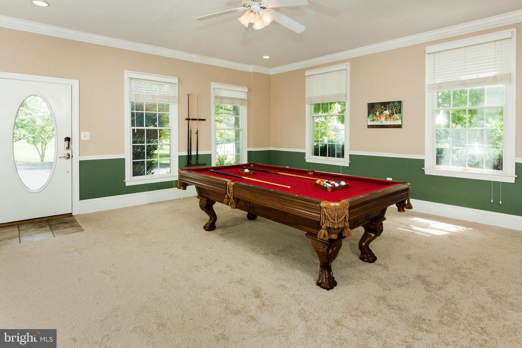 Main level game room/5th bedroom,separate entrance - 42308 GREEN MEADOW LN, LEESBURG