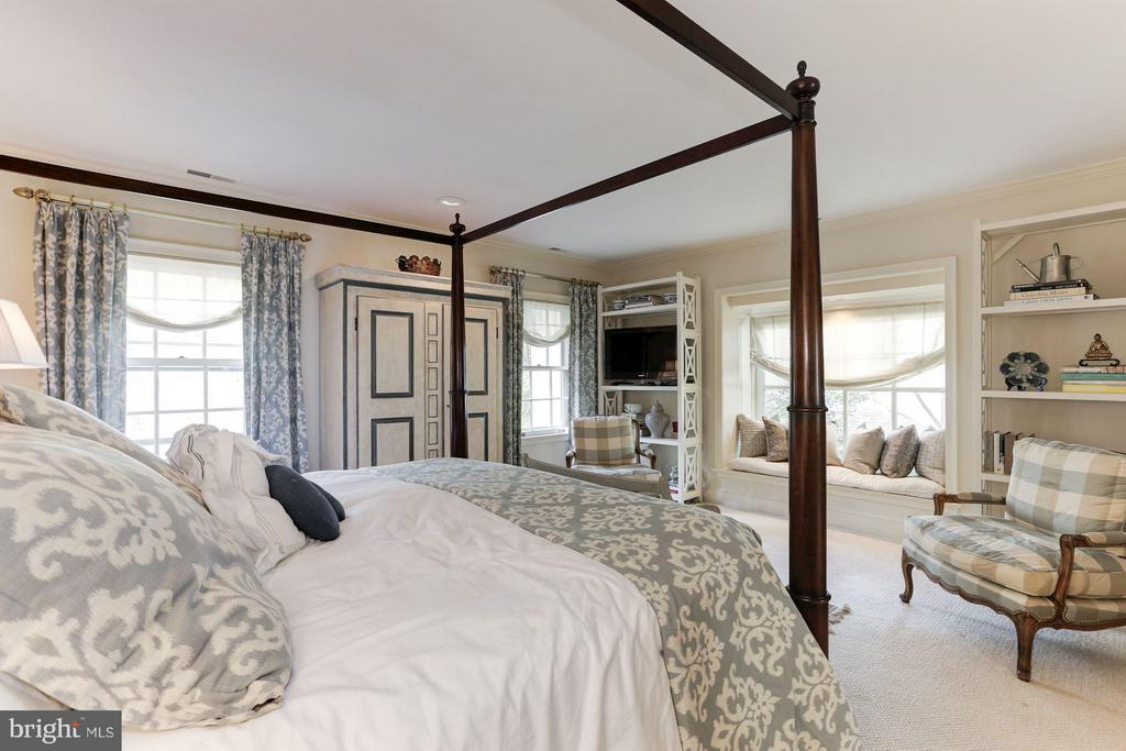 Bedroom (Master) - 4347 FOREST LN NW, WASHINGTON