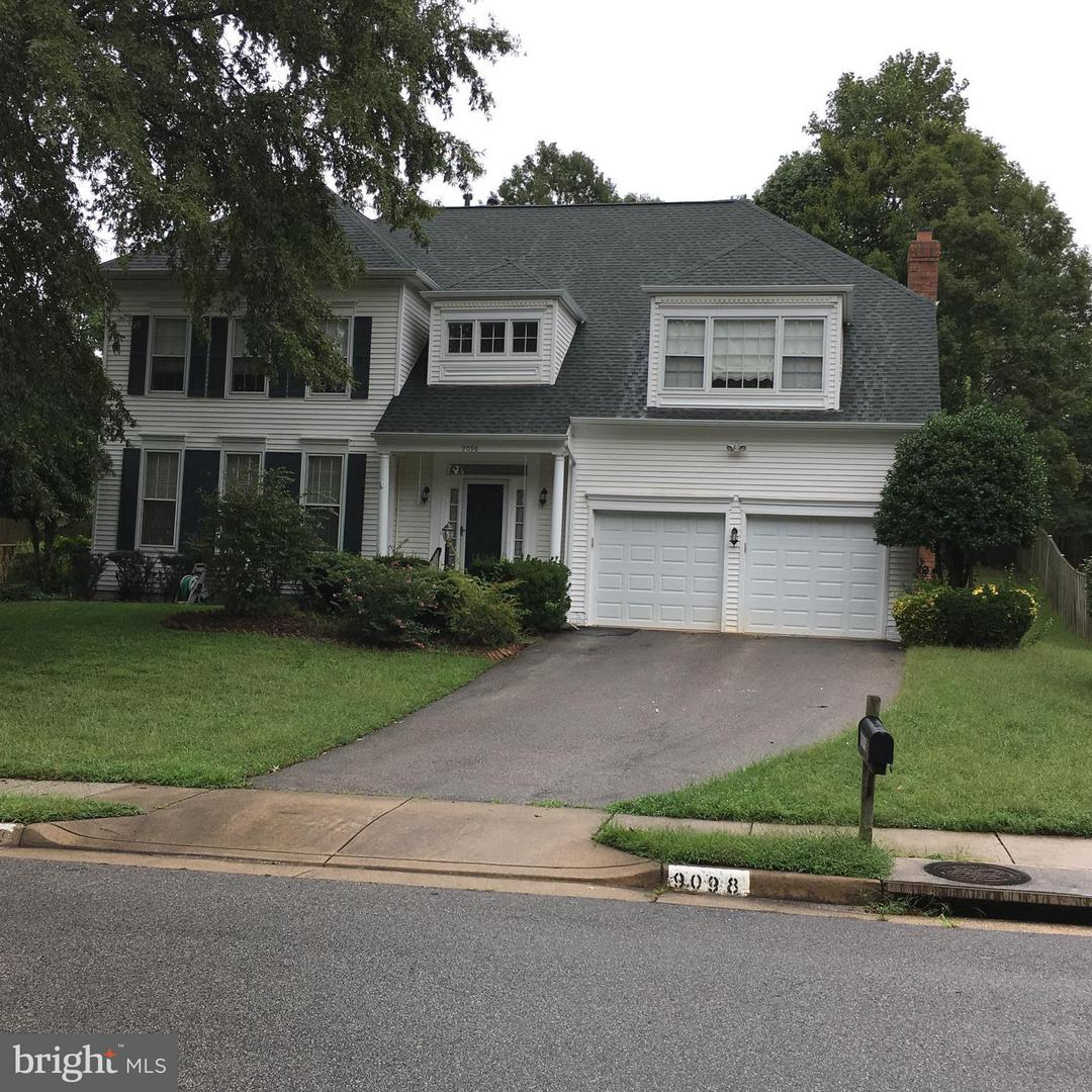 Single Family Home for Sale at 9098 Northedge Dr NW 9098 Northedge Dr NW Springfield, Virginia 22153 United States