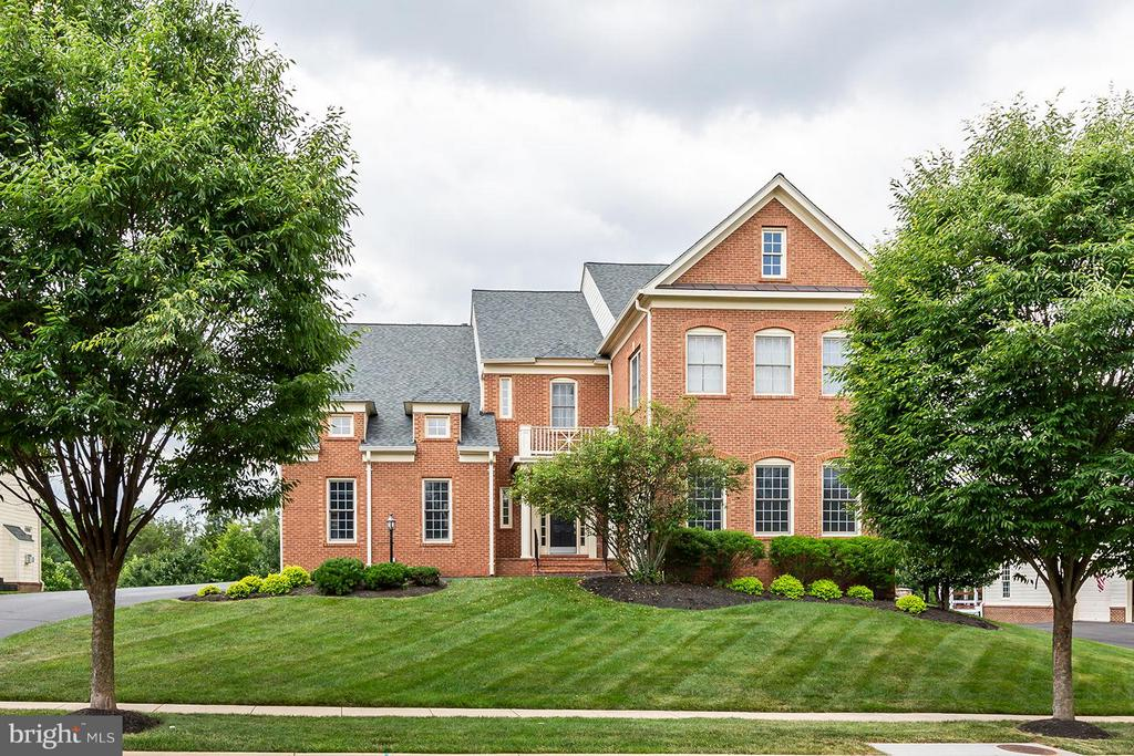 Gorgeous home in Lansdowne on the Potomac! - 43239 PARKERS RIDGE DR, LEESBURG