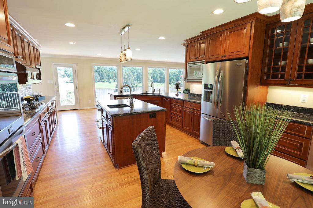 Kitchen - 13108 LAUREL GLEN RD, CLIFTON
