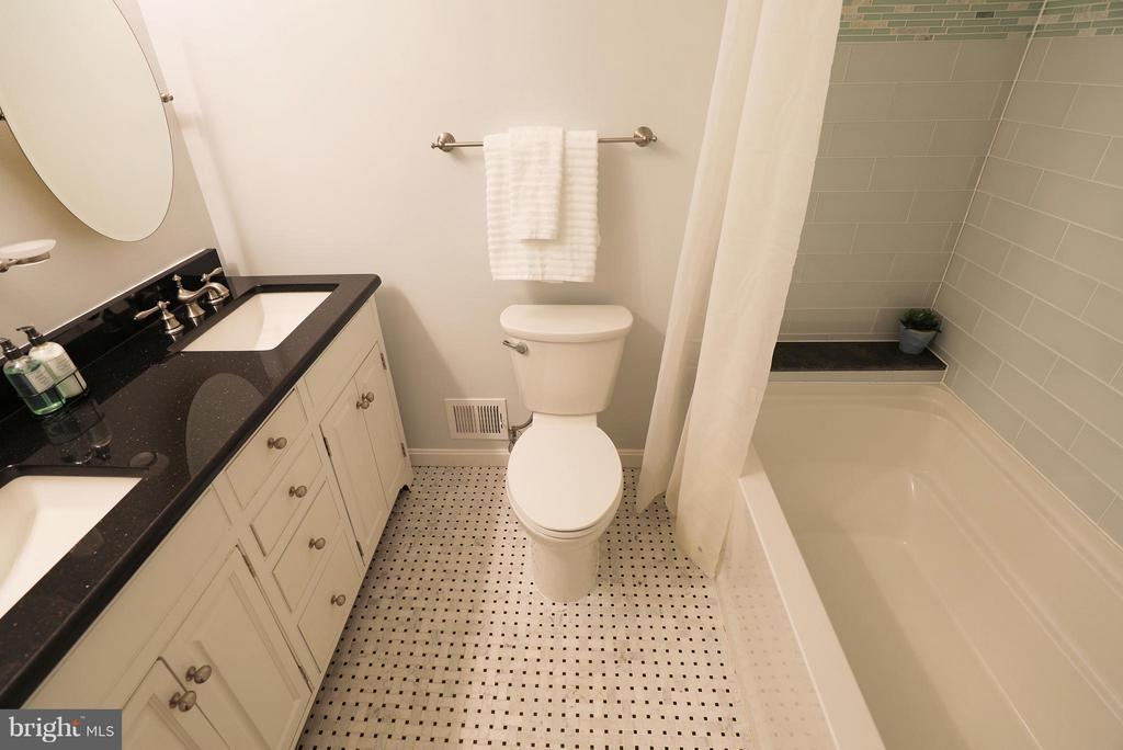 Second master bathroom. Beautifully updated! - 13108 LAUREL GLEN RD, CLIFTON