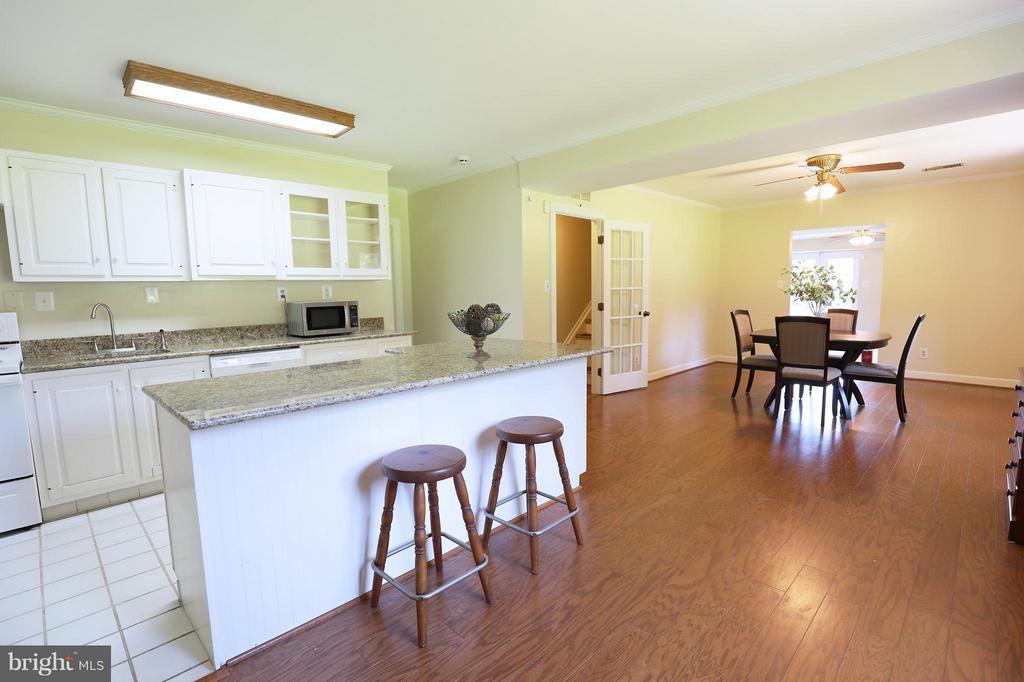 Full kitchen in lower level. - 13108 LAUREL GLEN RD, CLIFTON