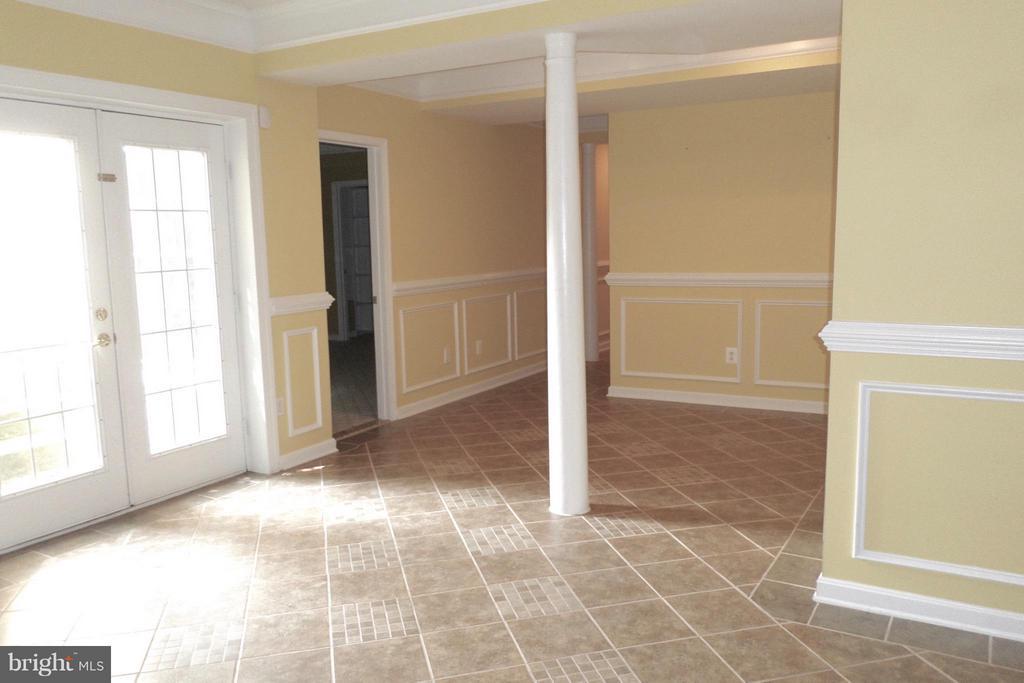 Fully finished. Walk out, ceramic flooring - 13504 CLASSIC OAKS CT, MANASSAS