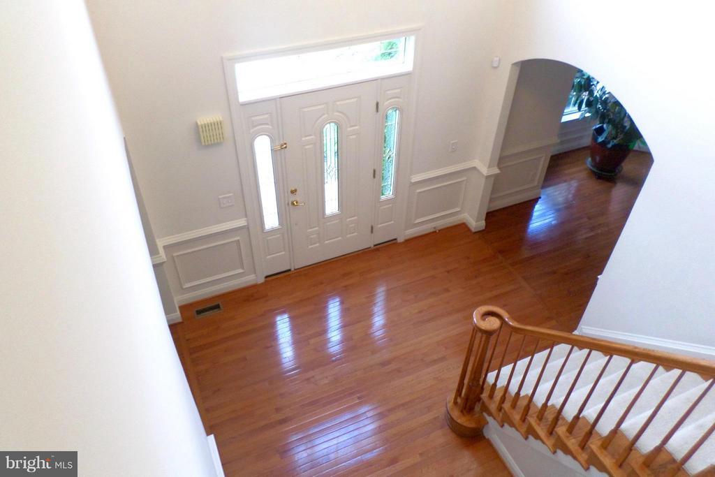 Two-story Foyer all Hardwood - 13504 CLASSIC OAKS CT, MANASSAS