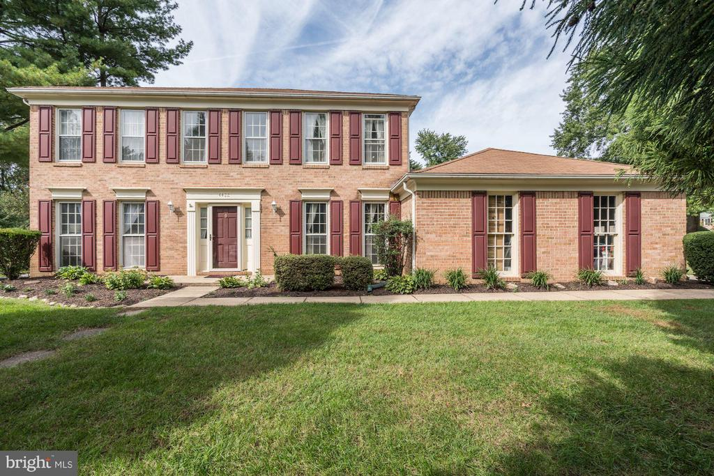 Brick Facade - 4422 TULIP TREE CT, CHANTILLY