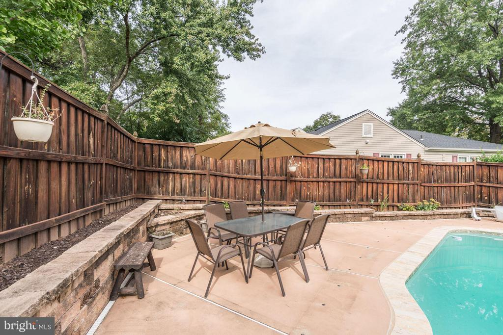 Extra Sitting area next to Pool... - 4422 TULIP TREE CT, CHANTILLY