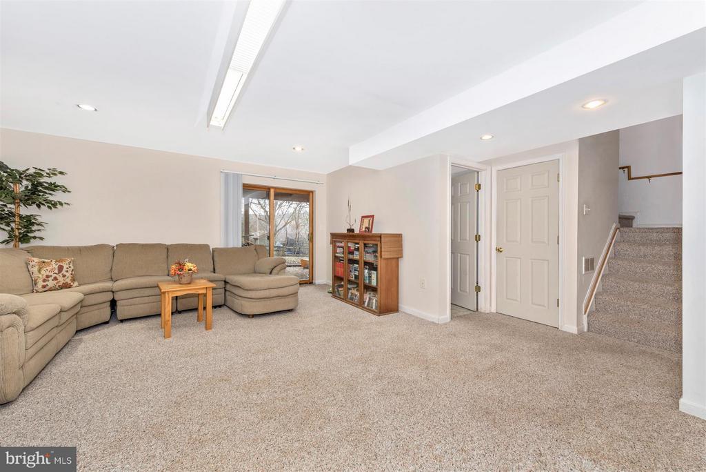 Basement-Rec Room - 6570 NYASA BND, NEW MARKET