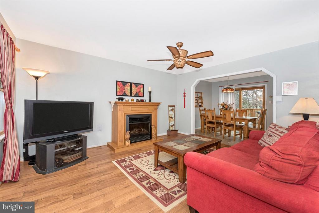 Living Room - 6570 NYASA BND, NEW MARKET