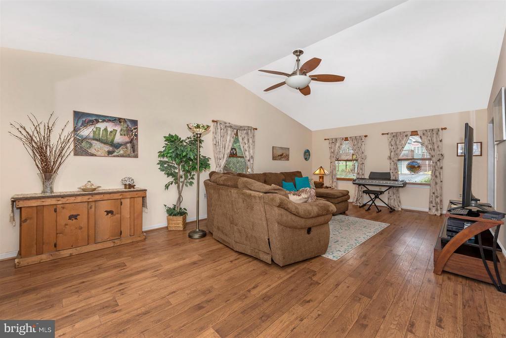Family Room - 6570 NYASA BND, NEW MARKET