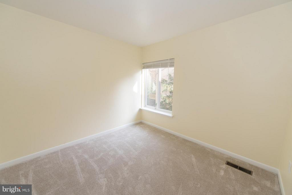Bedroom 3 - 2358 SOFT WIND CT, RESTON