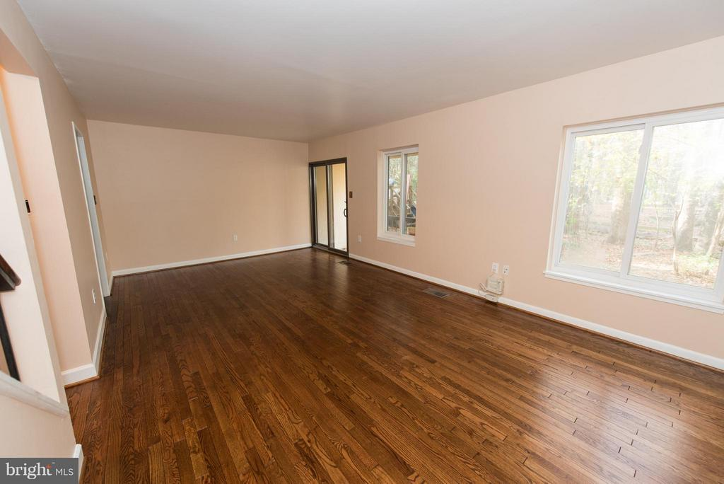 Lots of room for the whole family - 2358 SOFT WIND CT, RESTON
