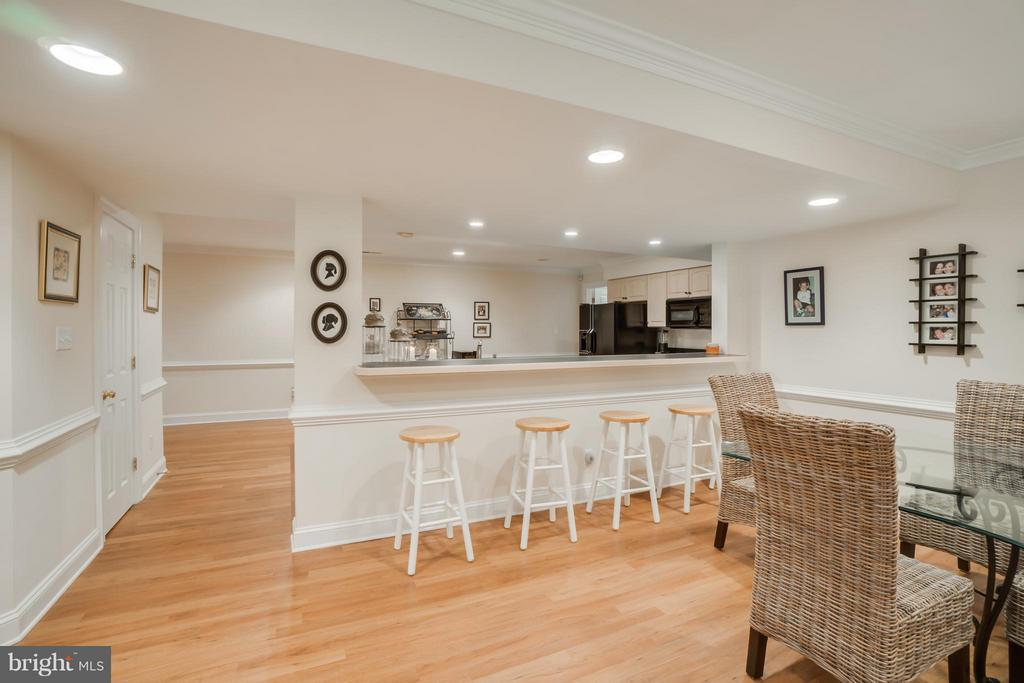 In-Law Suite breakfast bar - 8615 LEE JACKSON CIR, SPOTSYLVANIA