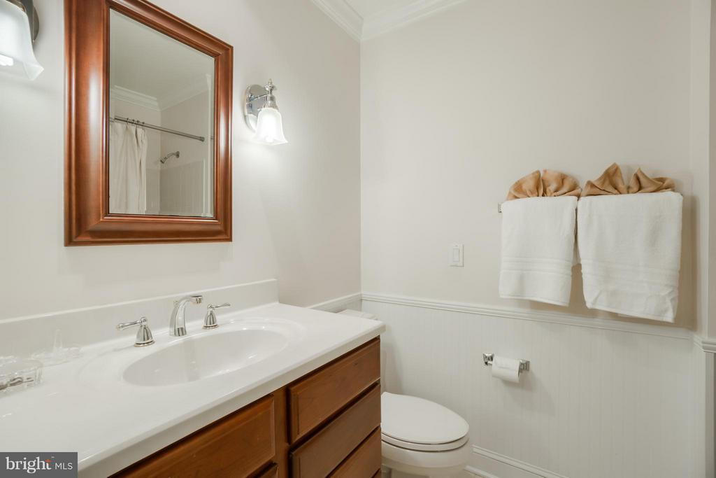 In-Law Suite Full Bath - 8615 LEE JACKSON CIR, SPOTSYLVANIA