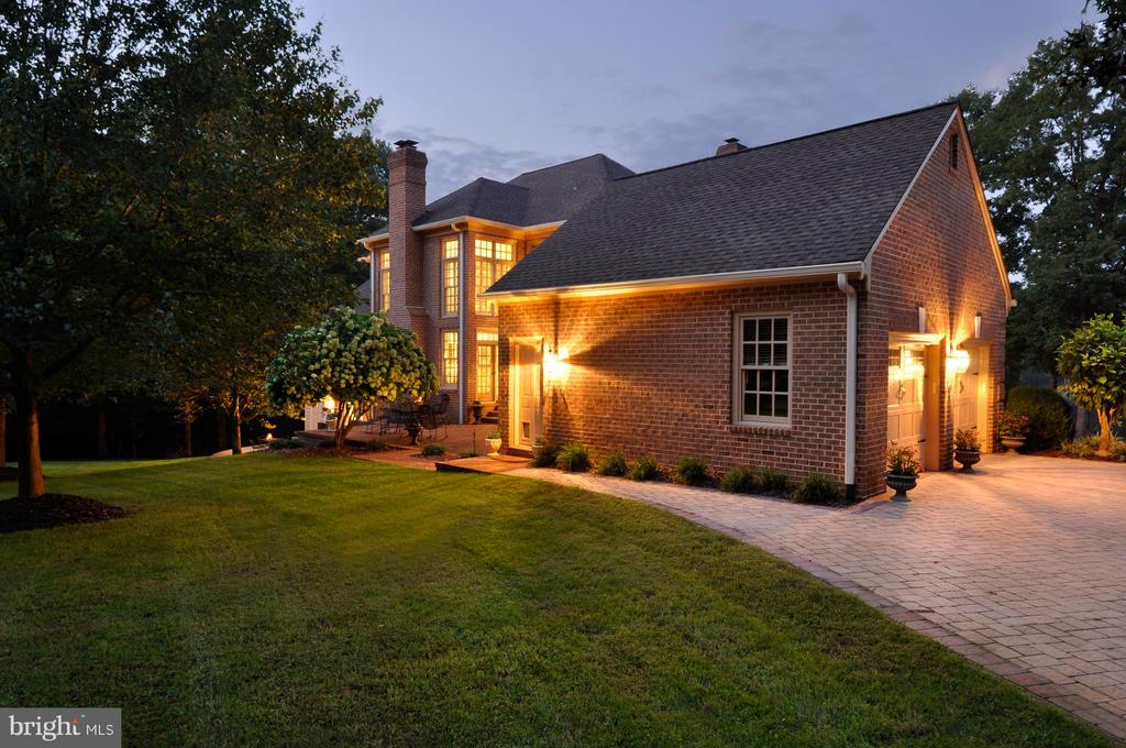 Twilight side of home - 8615 LEE JACKSON CIR, SPOTSYLVANIA