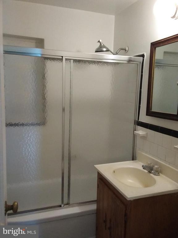 Bathroom - 2355 CONIFER LN, FALLS CHURCH
