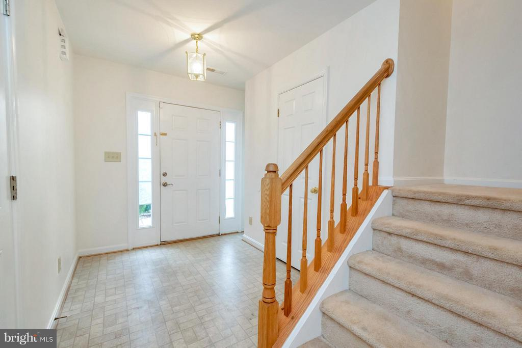 Foyer Entrance - 11414 WYTHEVILLE CT, FREDERICKSBURG