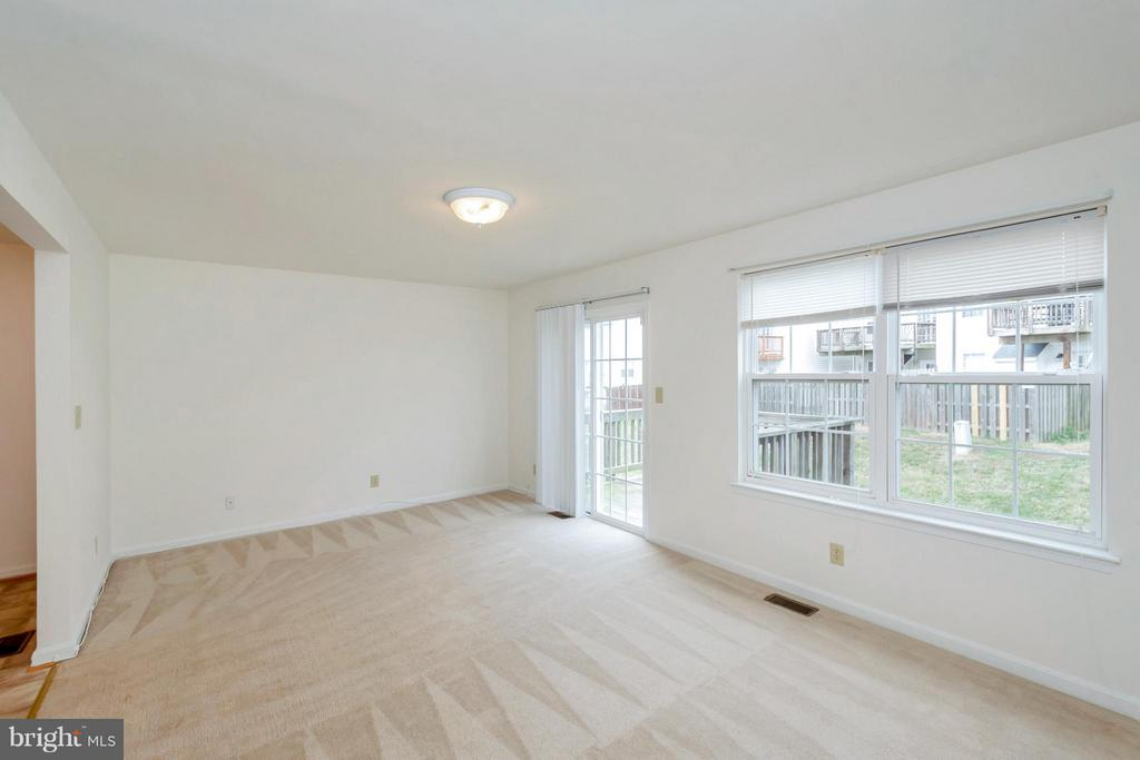 Living Room - 11414 WYTHEVILLE CT, FREDERICKSBURG