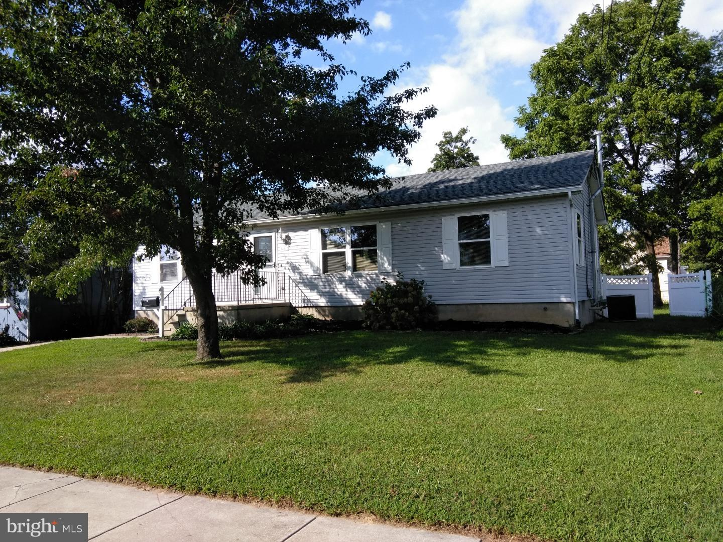 Single Family Home for Sale at 411 LAKEHURST Avenue National Park, New Jersey 08063 United States