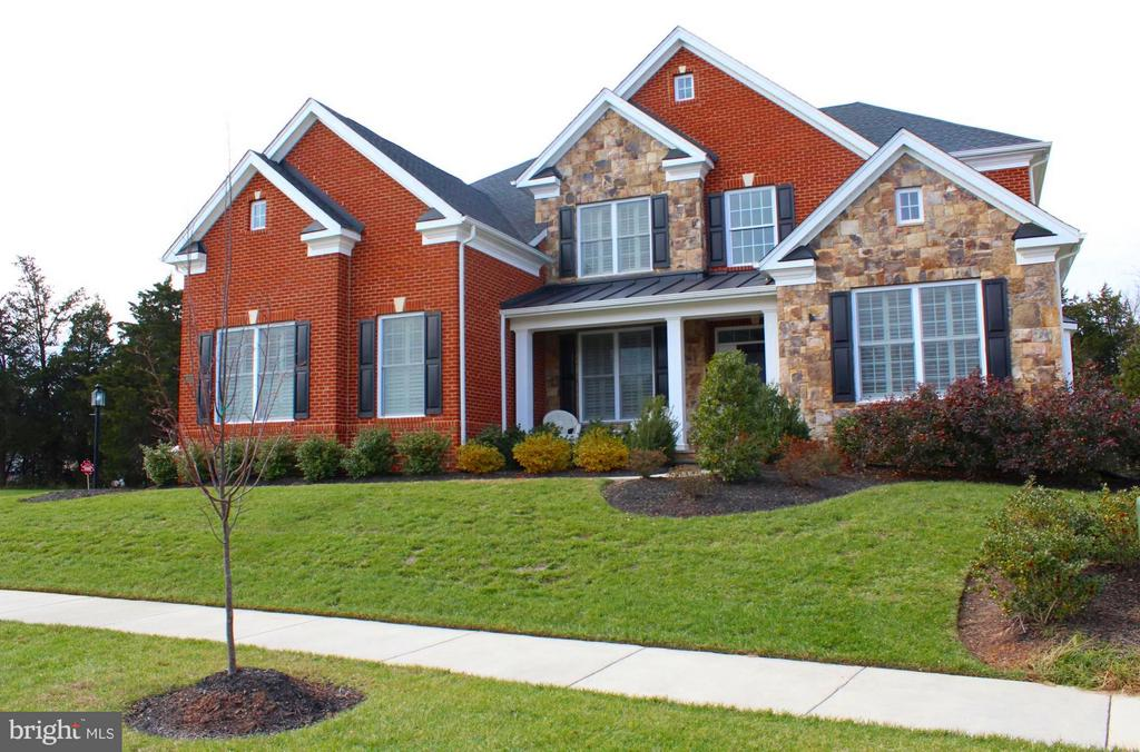 Toll Brothers Axecutive Collection- Model Perfect - 41433 AUTUMN SUN DR, ALDIE