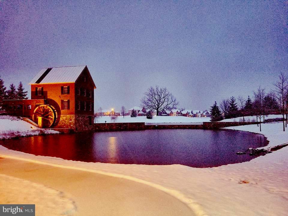 And a picturesque Winter wonderland Entrance - 41433 AUTUMN SUN DR, ALDIE