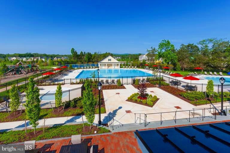 Resort Style Amenities at the Clubhouse - 41433 AUTUMN SUN DR, ALDIE