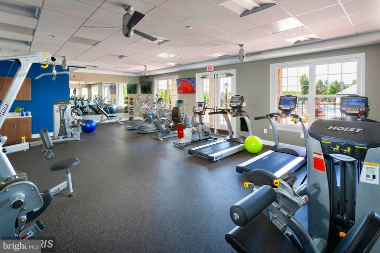 Exercise Room with equipment and Free weights - 41433 AUTUMN SUN DR, ALDIE