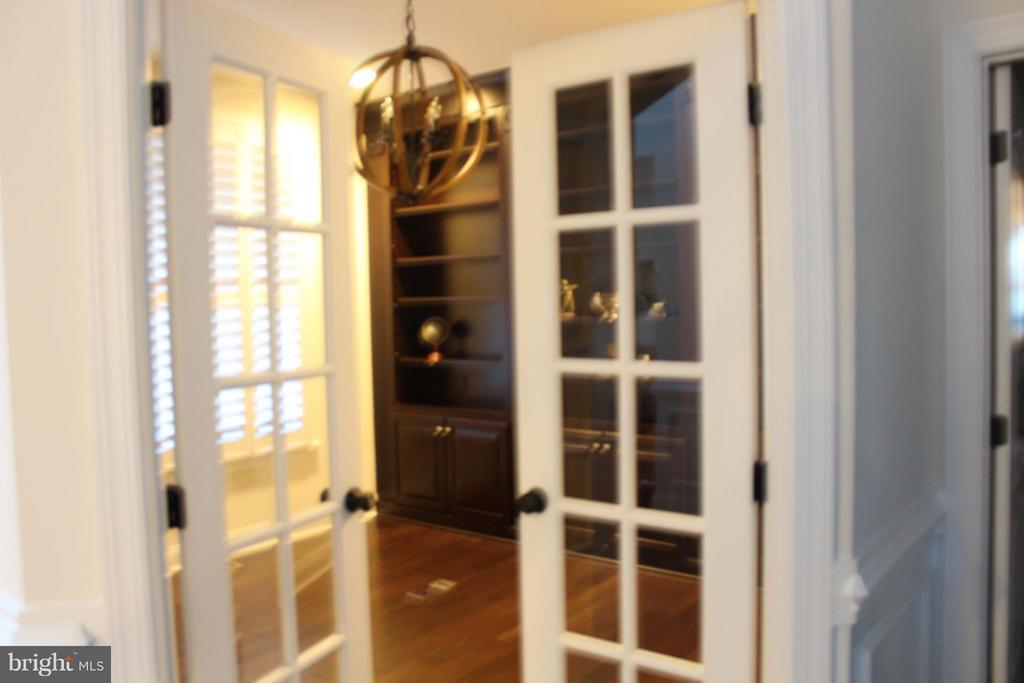French Doors to main level Office - 41433 AUTUMN SUN DR, ALDIE