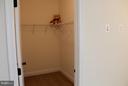 ALL bedrooms have Huge walk-in Closets - 41433 AUTUMN SUN DR, ALDIE