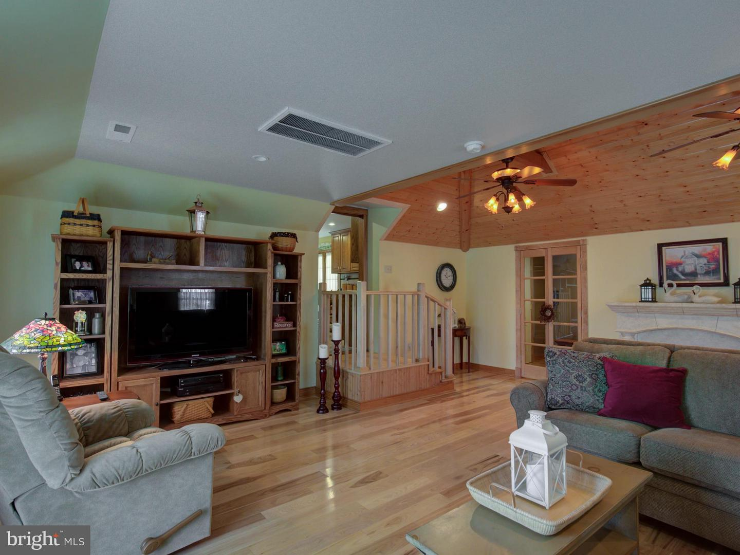 Additional photo for property listing at 12453 James Monroe Hwy Leesburg, Virginia 20176 United States