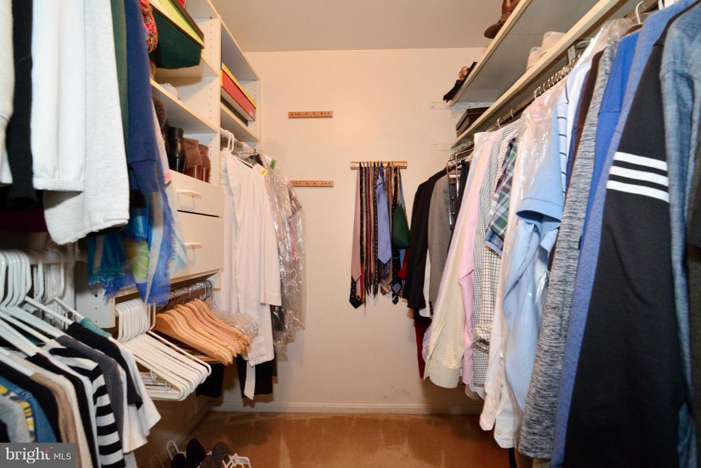Huge Closet - 12866 GRAYPINE PL, HERNDON