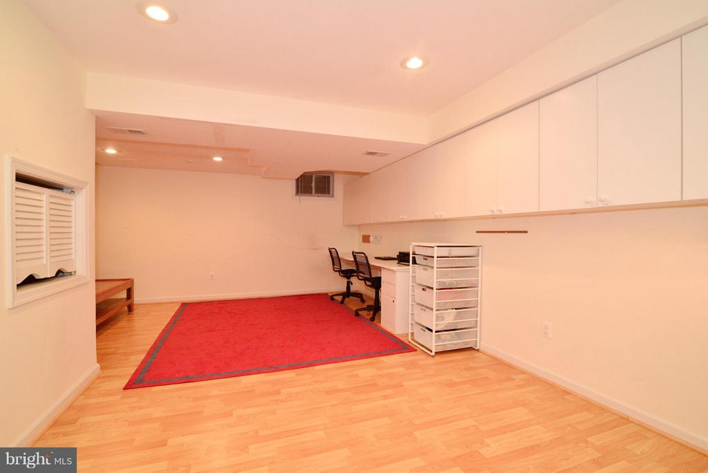 Cute play area for kids under stairs! - 12866 GRAYPINE PL, HERNDON