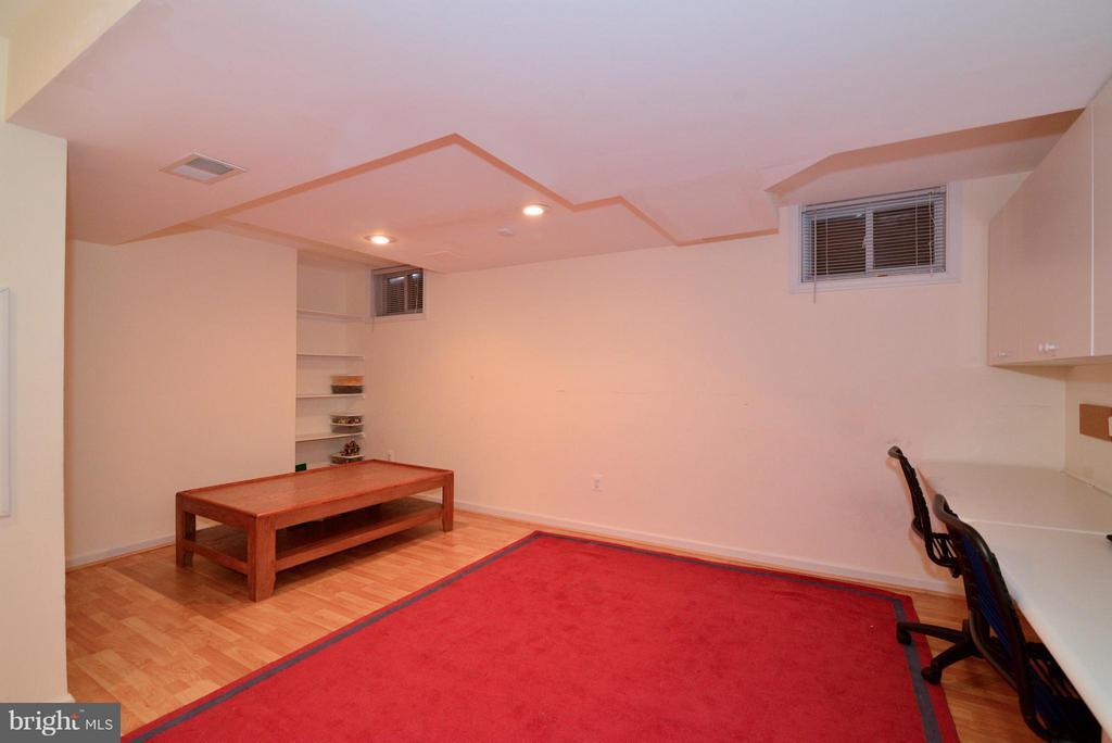 Bonus space! Play area - 12866 GRAYPINE PL, HERNDON