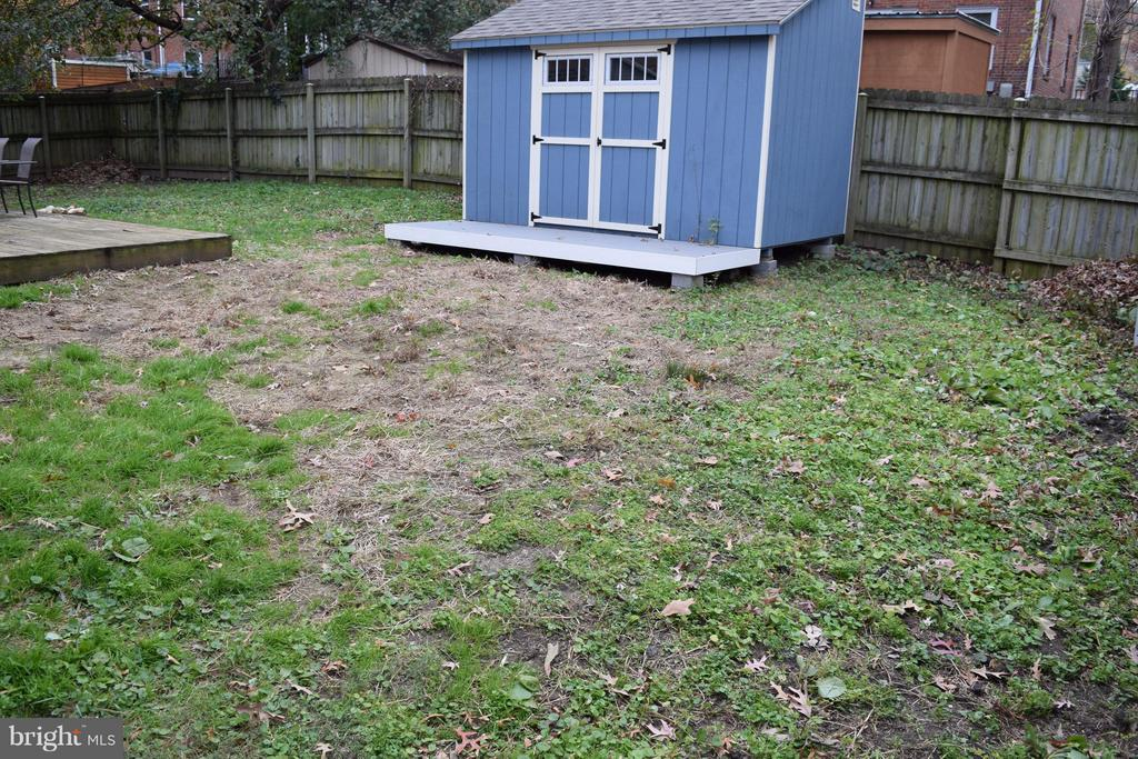 This Shed does not covey - 2133 FARRINGTON AVE, ALEXANDRIA