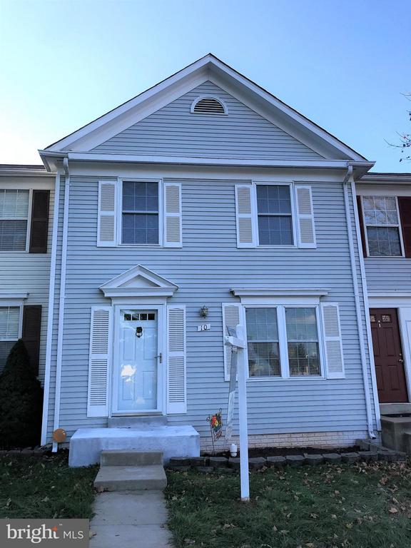 Great 3 lvl townhome in Countryside - 10 HARBERT CT, STERLING