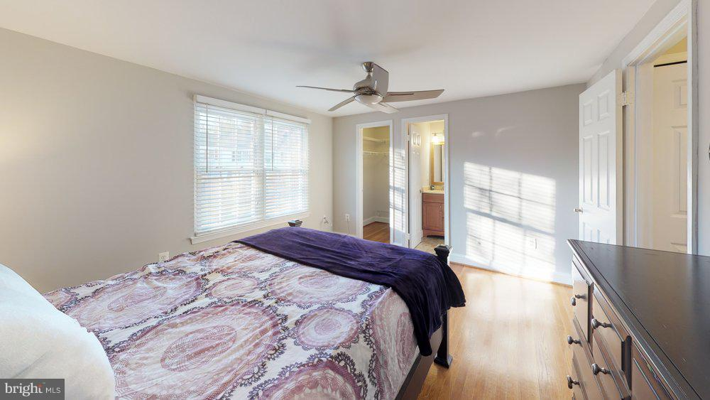 Master bedroom - 10 HARBERT CT, STERLING