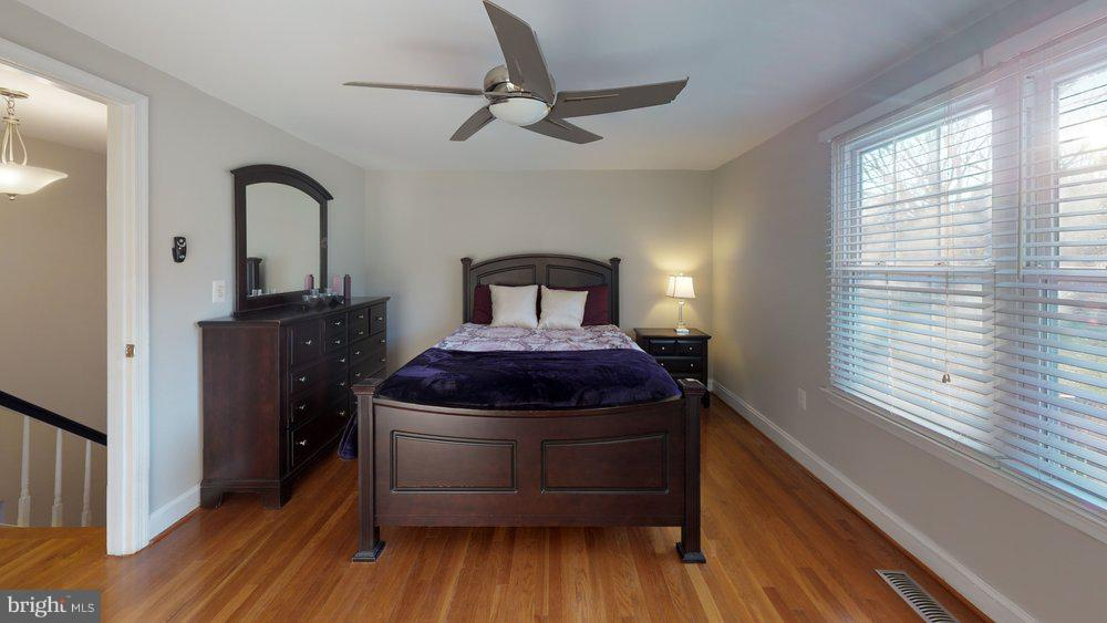 Dreamy master suite - 10 HARBERT CT, STERLING