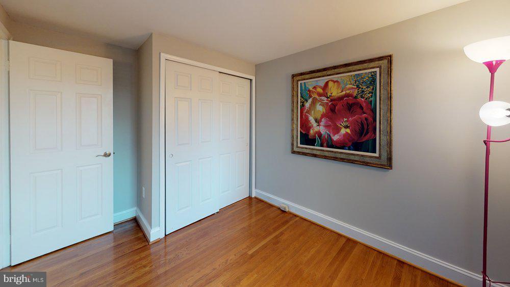 2nd bedroom - 10 HARBERT CT, STERLING